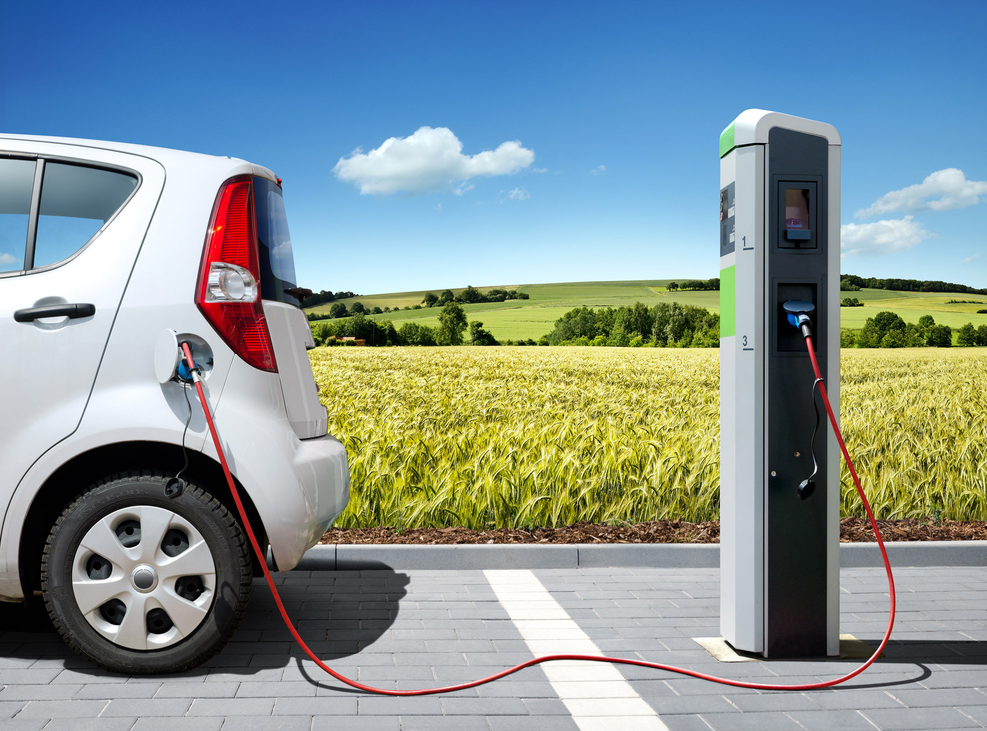 Within 2025 electric cars only - the suistainable strategy comes from Holland