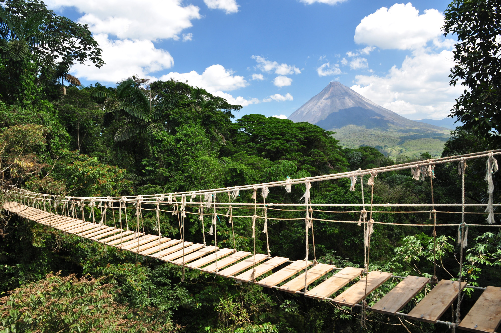 Costa Rica choose to shift to the renewable energy and the care of the environment