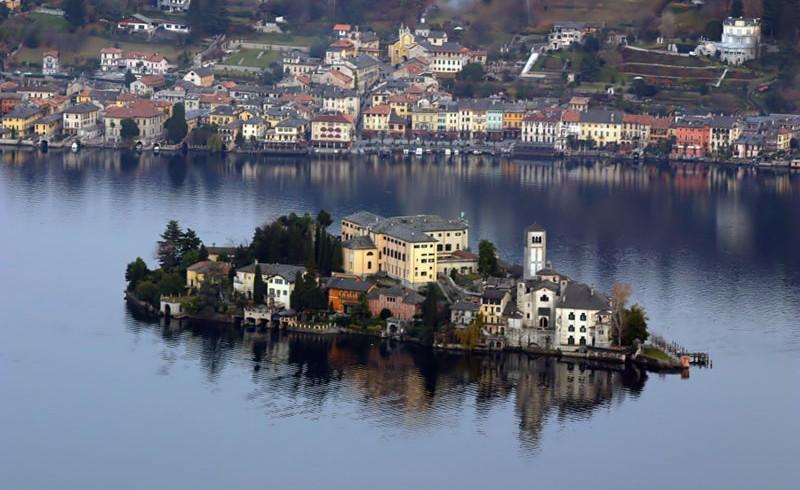 Orta San Giulio, province of Novara, Italy, ph. by Leonardo Sgatto, via Flickr