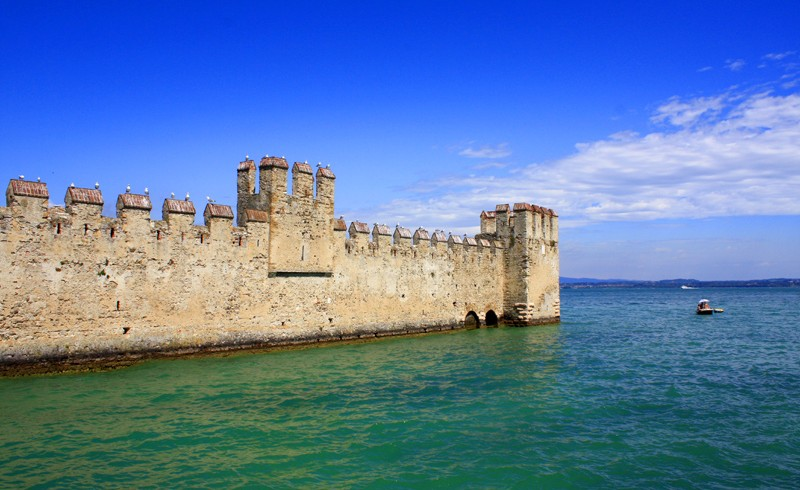 Castle of Sirmione, ph. di Vly, via flickr