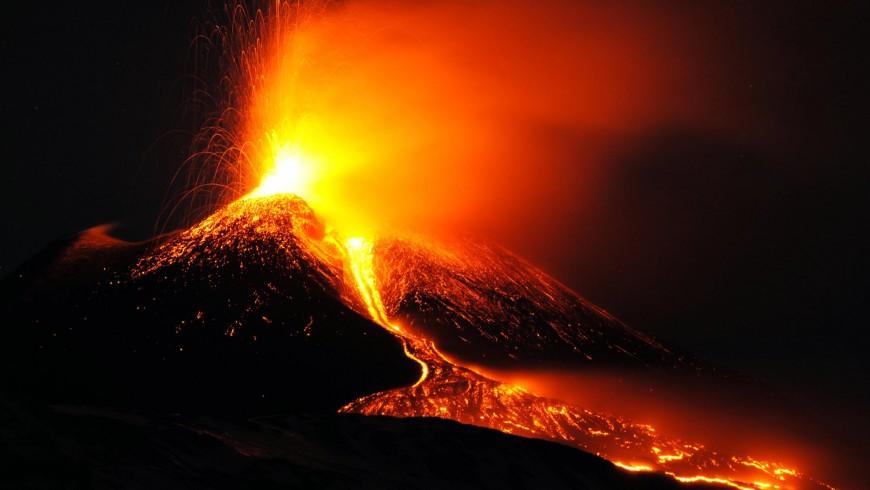 Sicilia, Etna nuova eruzione spettacolare