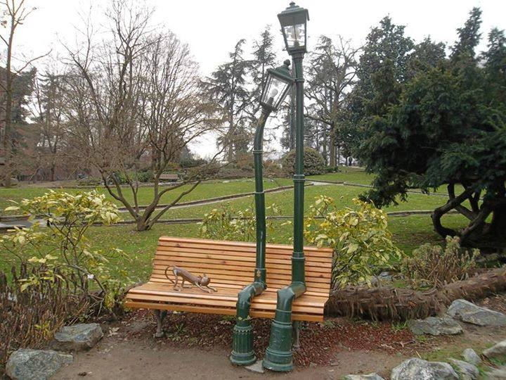 The two lamps in love at the Rocky Garden, Turin