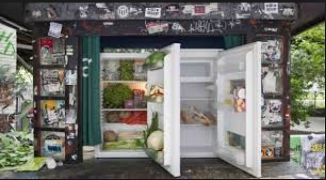 Amazing anti-waste projects: Open refrigerators in Berlin