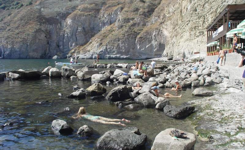 Natural hot springs in Sorgeto, South Italy