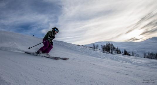 Sciare rende felici (skiing makes happy) di Luciano Fochi via Flickr