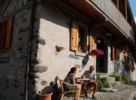 Organic farmhouse Casa Essenia, Trentino, Italy
