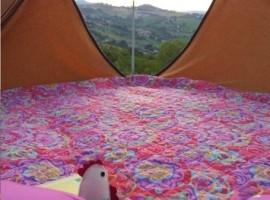 internal part of the tent (b&b la casa dei nonni, FM)