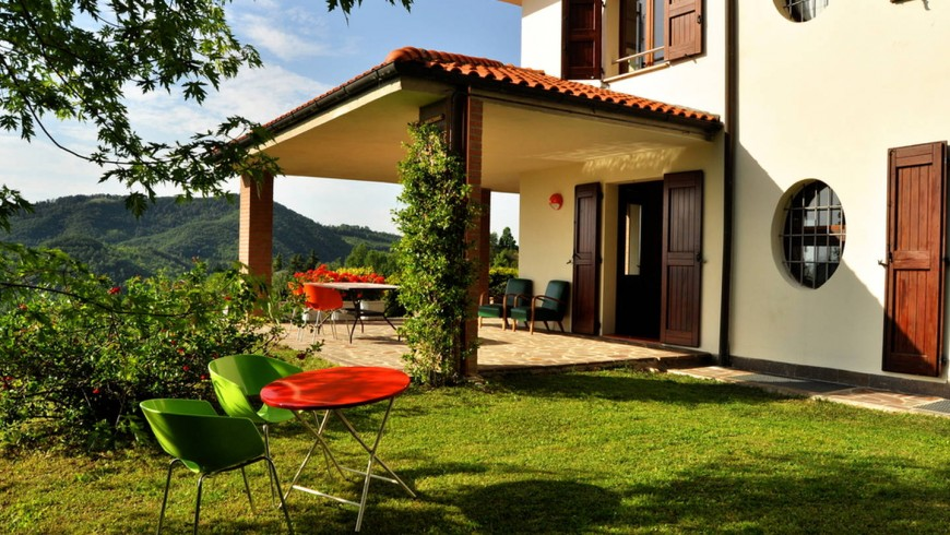 Cherry Cat, a colorfull and ecofriendly Bed & breakfast surrounded by the hills of Monte San Pietro, a Virtuous Municipaliy in Bologna Province.