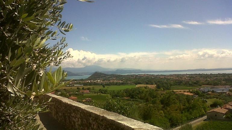 Bio B&B Vivere La Vita Guesthouse in Polpenazze del Garda, view on the Garda Lake