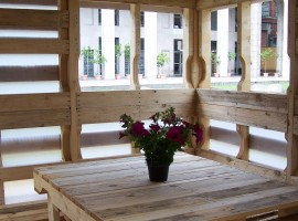 Pallet House: the house built with pallets