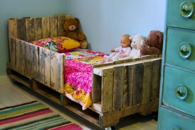Bed for child made of pallets