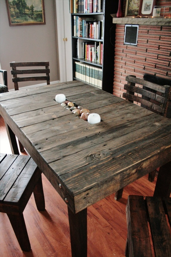 Table made of pallets