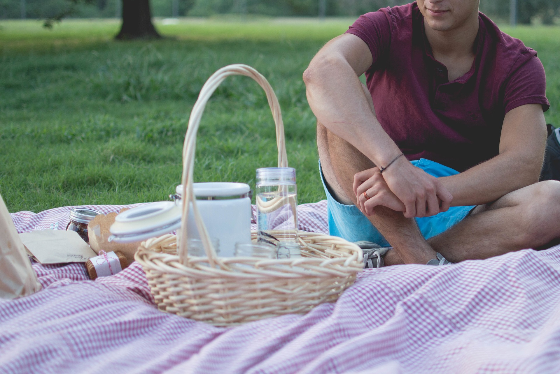 picnic with hermetic Containers