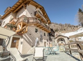 Eco-friendly B&B Alpe Rebelle, in Aosta Valley