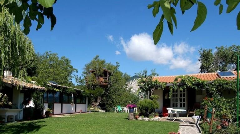 Romantic getaway in Abruzzo, Italy - Farmhouse Aperegina, treehouse