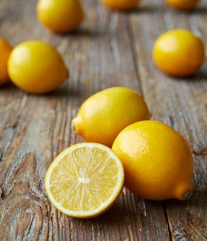 Lemon shented detergent for dishwasher