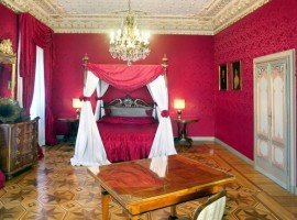 Villa Crespi: historic house on Lake Orta