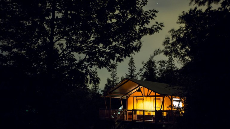 Camping La Serre, tree houses in France