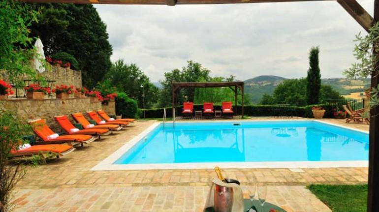La Ghirlanda, farmhouse near Perugia, Umbria