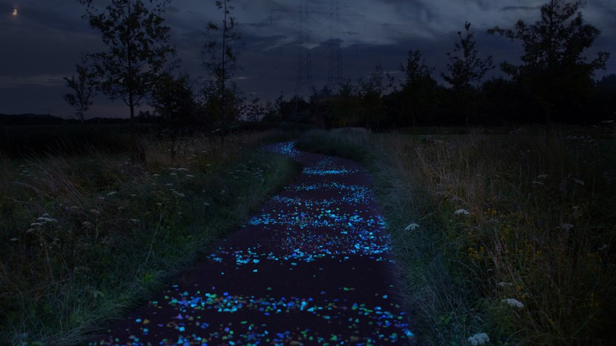 Van Gogh Roosegaarde Bicycle Path, the cycle path, the cycle-path in Netherlands inspired by Van Gogh