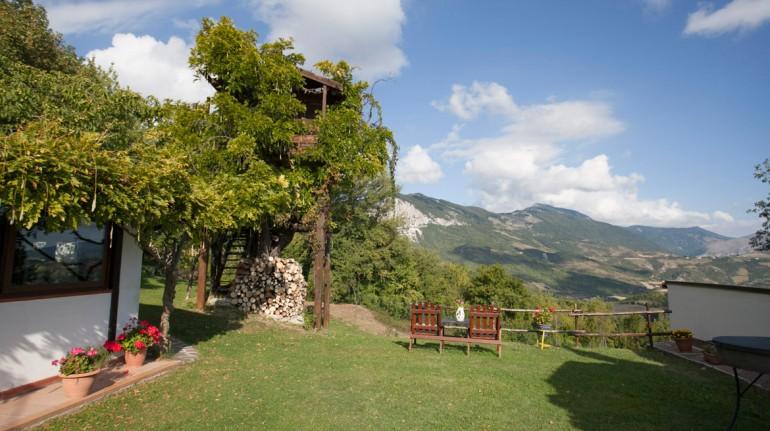 Tree house in Italy