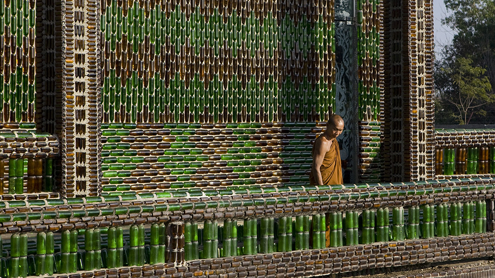 Thailand's temple built from glass bottles