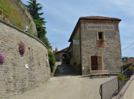 A convent between the landscapes of the Langa, Piedmont