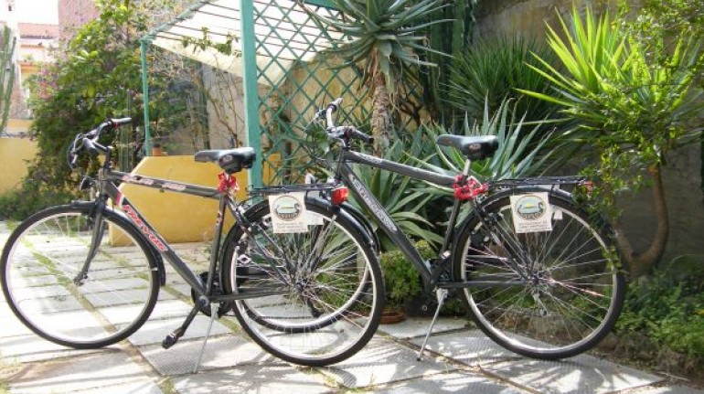 Free mountain bike in a eco-friendly bed and breakfast in Sardinia