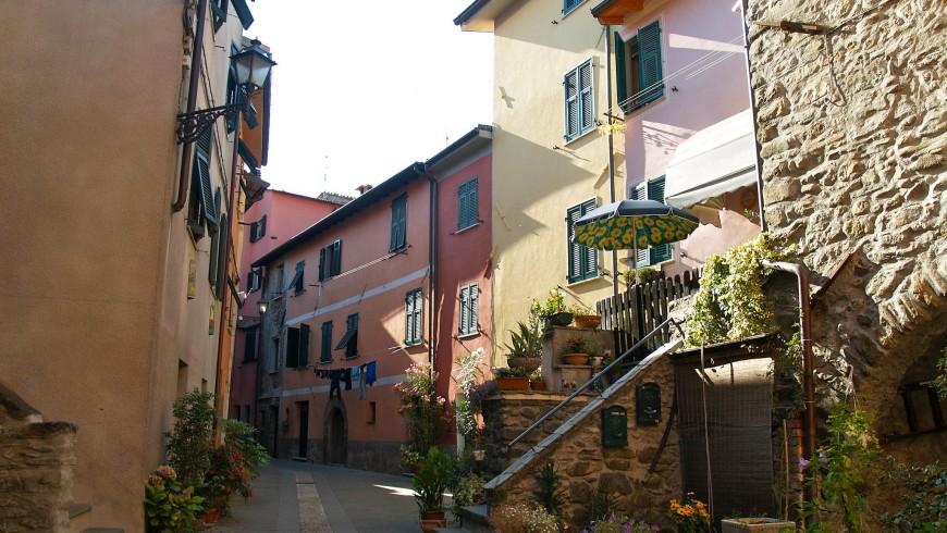 Brugnato, the colors of Liguria