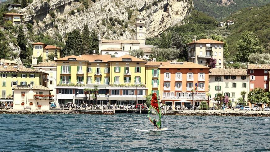 Windsurfing in Lake Garda