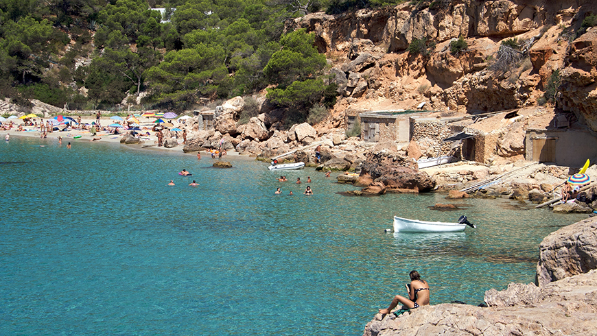 The 30 most beautiful beaches in Spain: Cala Mitjana
