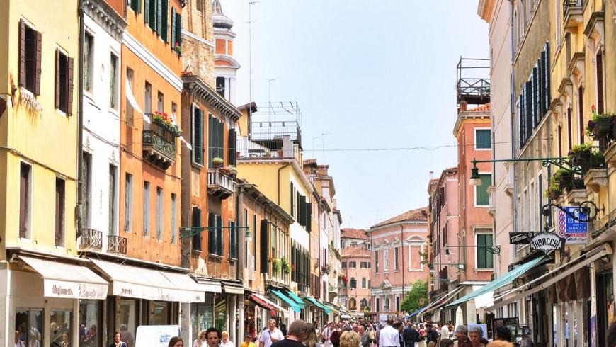 grand canal canaletto rialto gondola venezia unsustainable tourism