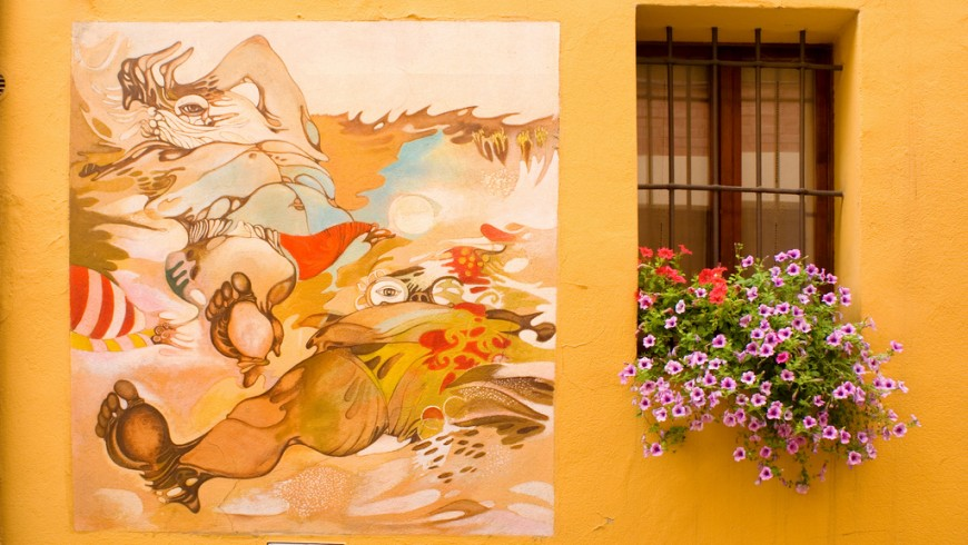 A journey through the painted villages of Italy: Dozza