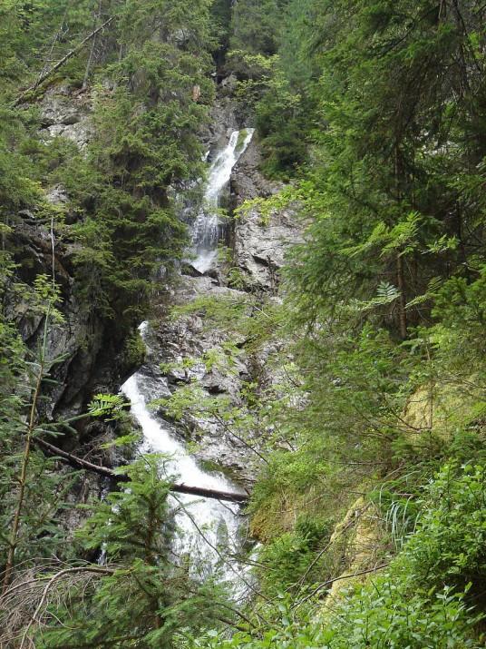 Kmetov waterfalls