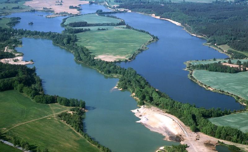 Veselske piskovny lakes