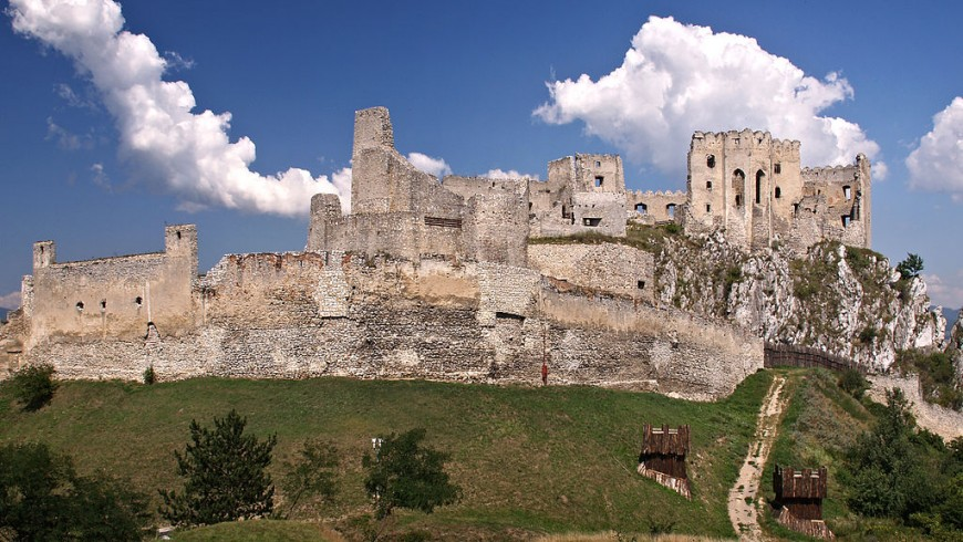 Beckov, one of the most amazing castles in Slovakia