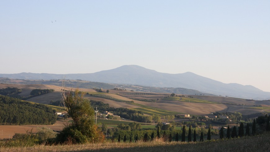Between abbeys and hot springs: tips for a green weekend in Tuscany