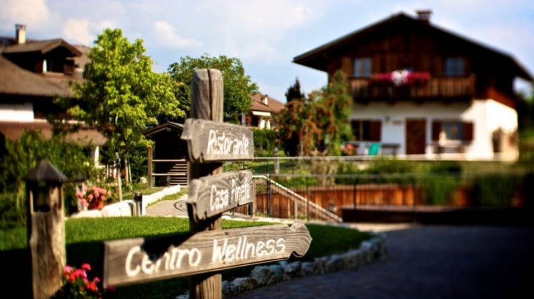 Holiday in Val di Non (Italy) between canyons and chalets
