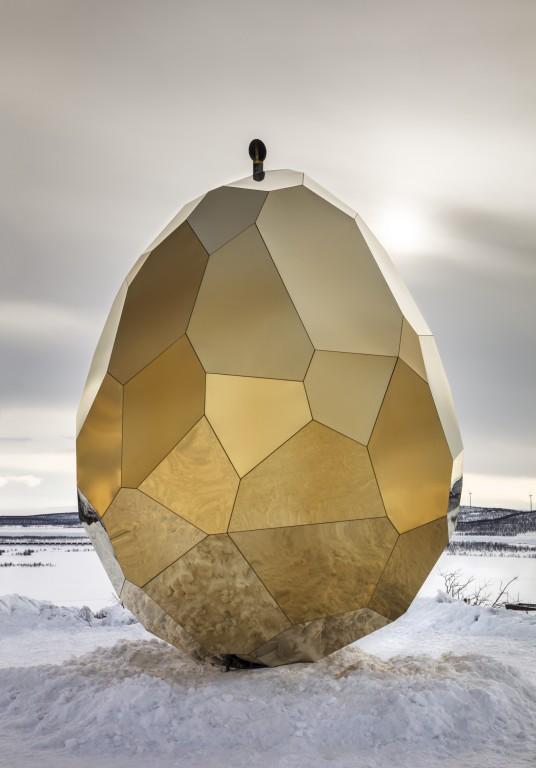 A sollar egg sauna