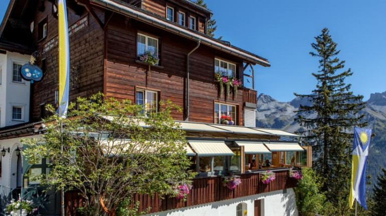 A holiday by electric car in Italy: Arlenwald Hotel