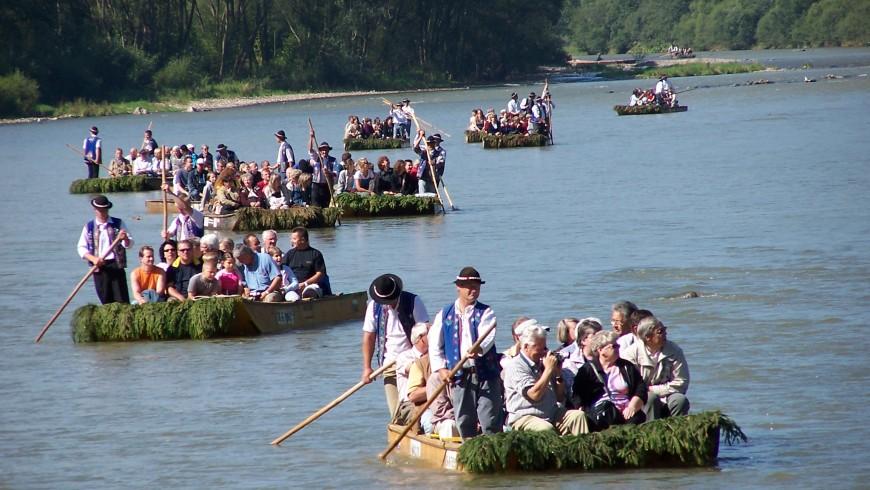 Flatboats on Dunajec