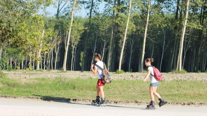 Con i roller lungo la pista ciclabile del fiume Po a Gualtieri