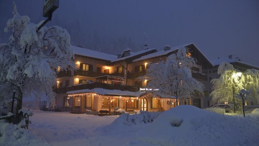 Snow on Hotel Regina Elena