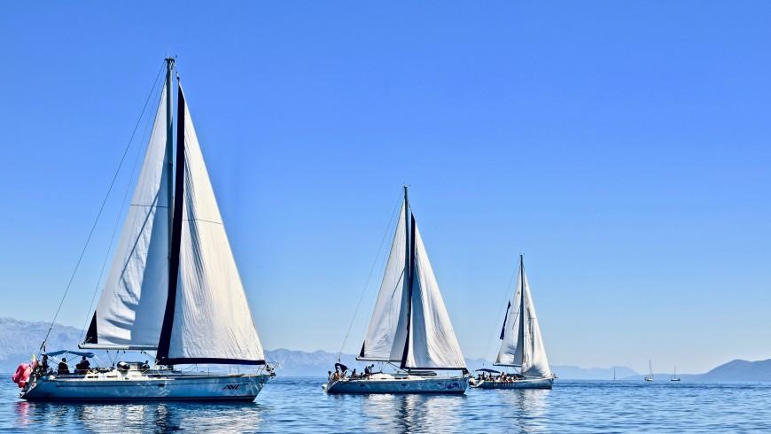 Sailing boats, photo by Karla Car via Unsplash