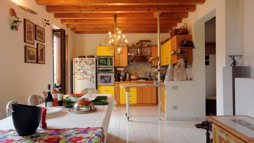Dining room in Casa Francesca, Lake Garda