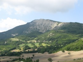 Appennines, Castel D'Aiano, photo by Wikimedia Commons