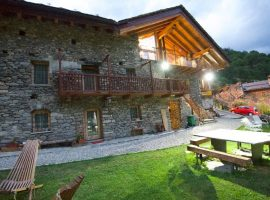 Nuit a Pleiney, eco-chalet in Aosta Valley