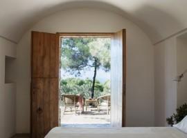 Bedroom, tenuta Borgia, old villages