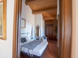 Bedroom, Casa Oliva, old villages