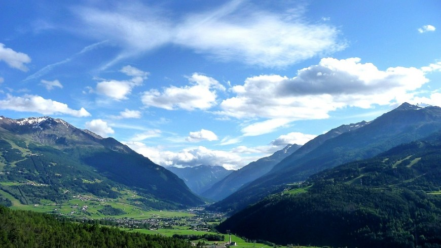 Valtellina, green vacation, photo via pixabay